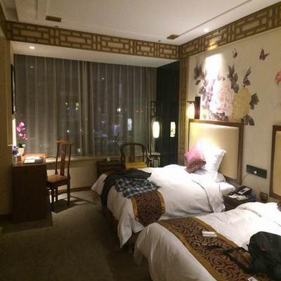 世海哲人酒店
