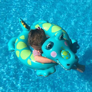 爱心宝贝婴儿游泳馆