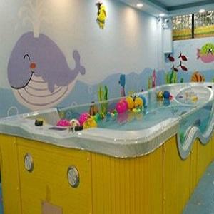 金猪宝宝婴儿游泳馆