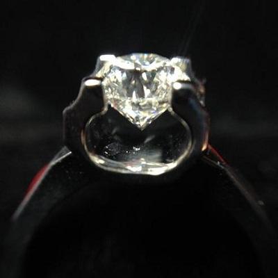 戴比尔斯钻石
