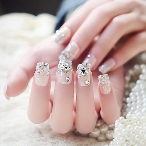 指尖芭蕾美甲